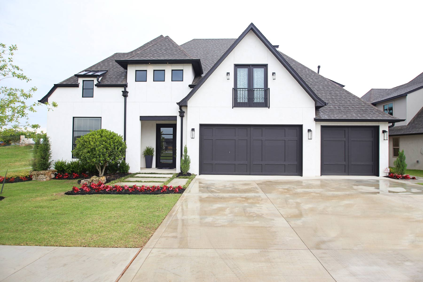 parade home southern homes award winning tulsa custom home builder yet reflecting today s style and trends our 2017 parade of homes model features shiplap walls exposed beams a farmhouse sink and an open floor plan